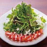 香味野菜とトマトのサラダ